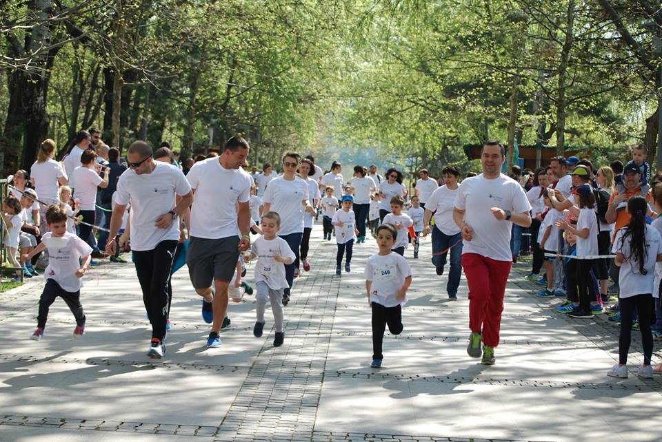 Copii şi părinţi Campioni ai sănătăţii şi ai generozităţii